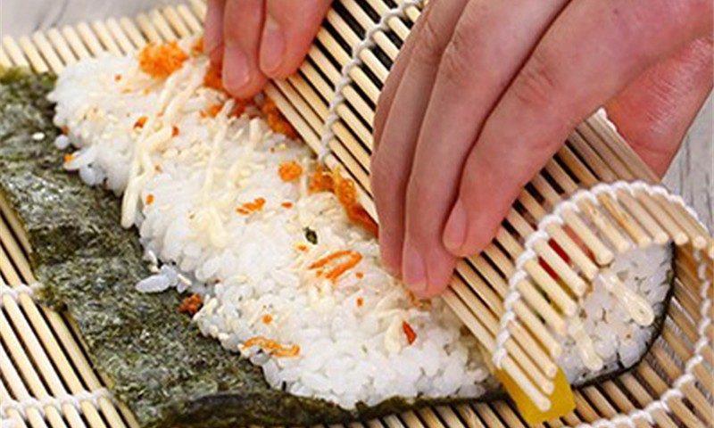 Jual Penggulung Sushi Tikar Bambu Praktis