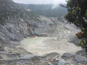 Review Tempat Wisata Gunung Tangkuban Perahu