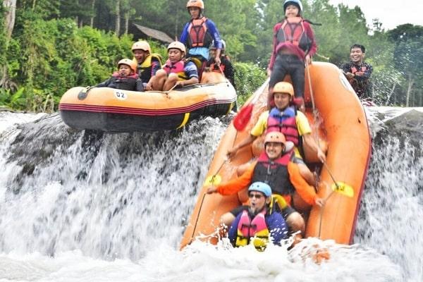 Suka Memacu Adrenalin? Yuk Kunjungi Arung Jeram Karo Adventure