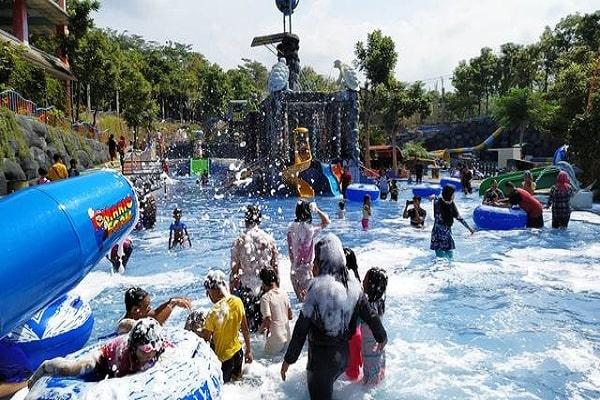 Harga Tiket Masuk dan Jam Operasional Kediri Water Park