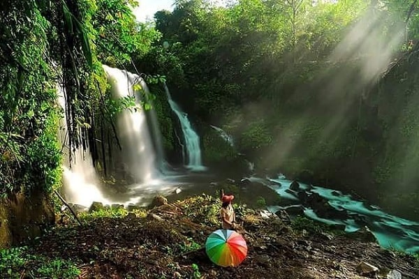 Pesona Wisata Air Terjun Curug Jenggala Baturaden