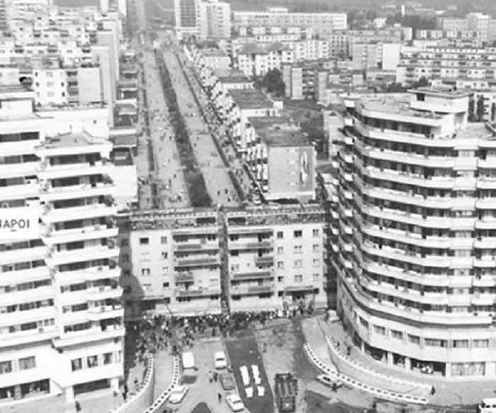 Pemindahan Apartemen Besar Di Jalan